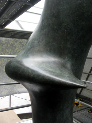 1_Patina_Henry_Moore_Oval_with_Points_180.jpg