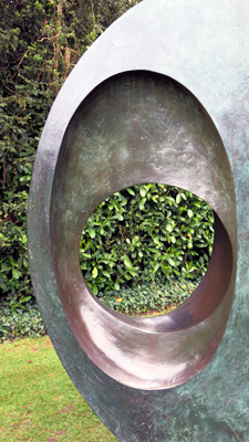 Barbara_Hepworth_Two_Forms_Divided_Circles_10_72.jpg